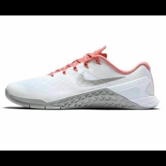 2cc71166774c0 Nike Womens Nike Metcon 3 Training Shoes Size 10.5